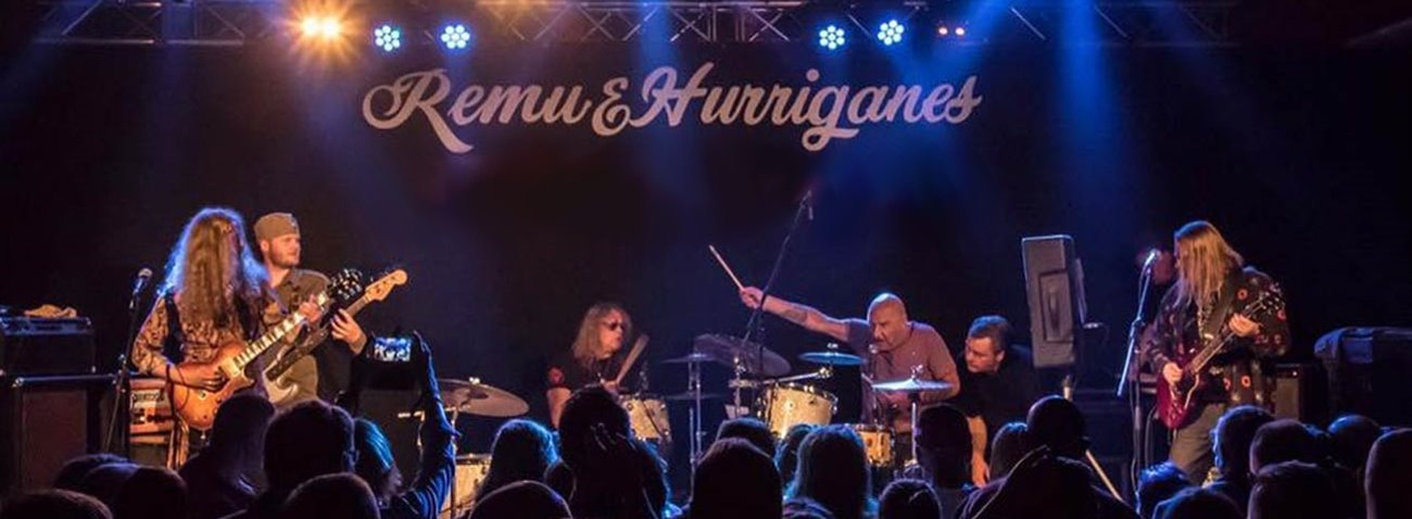 hurriganes_gig